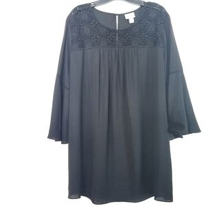 3X Ava & Viv Black Crochet Yoke Bell Sleeve Tunic